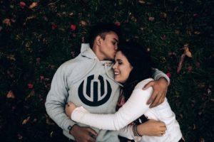 Близнецы Водолей женщина в любви
